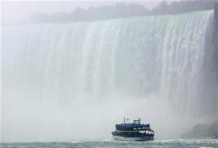 After 165 years, a new company to operate Niagara Falls boat tours